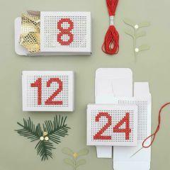 Geschenkdoosje geperforeerd 4 x 8 x 10 cm 24 stuks wit