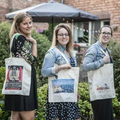 DIY-workshopdoos: Hippe totebags