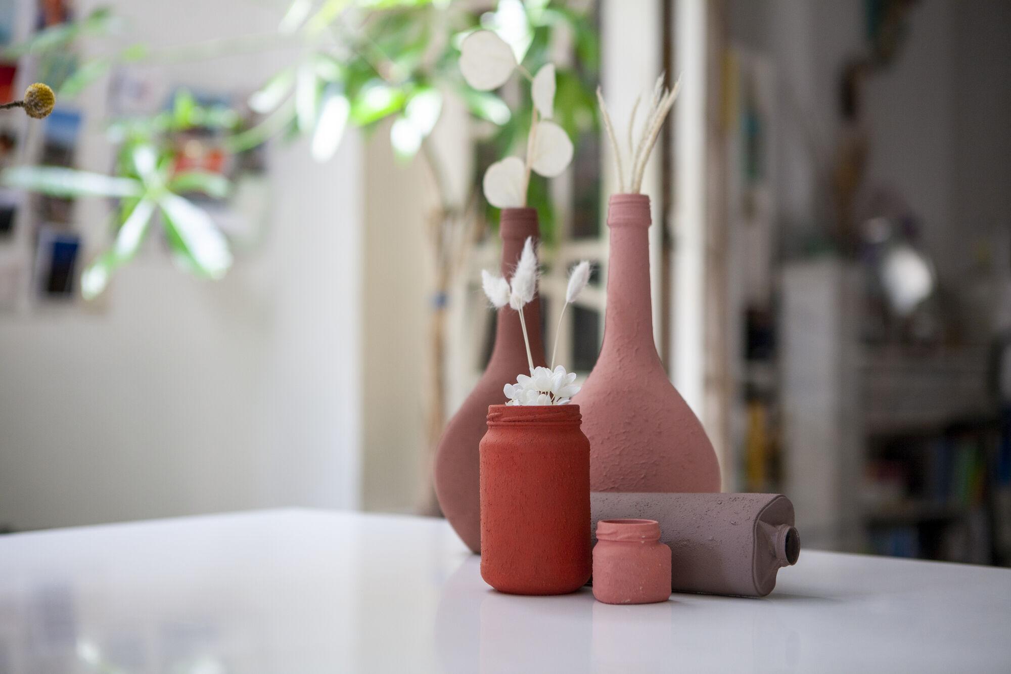 KNUTSELTIP: DIY terracotta vazen